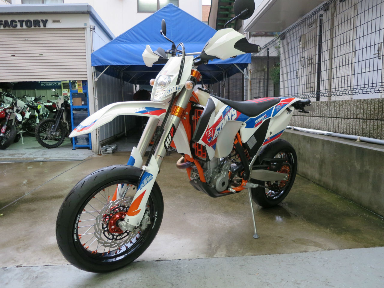 [カスタム] KTM 350EXC SIXDAYS SUPERMOTARD_02